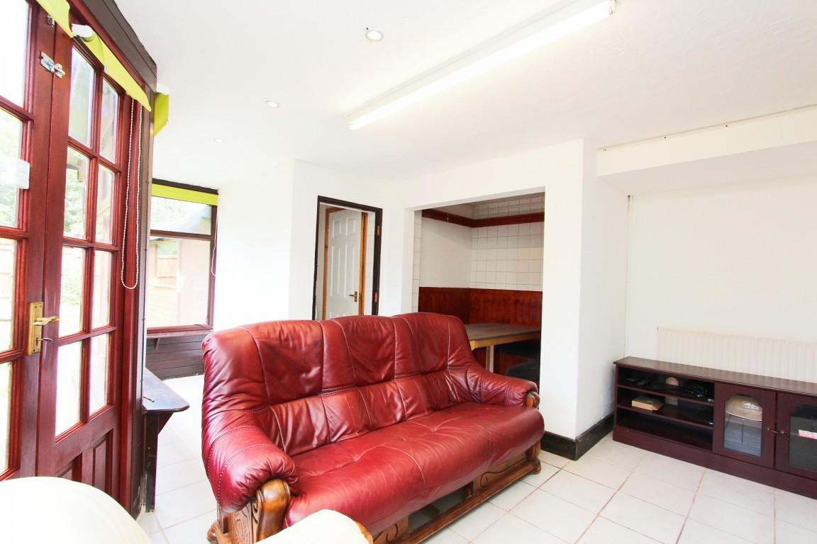 Garendon Road property image
